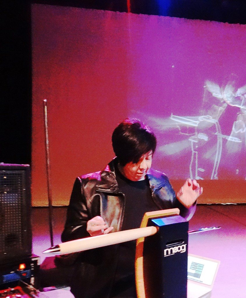 victoria-lundy-theremin